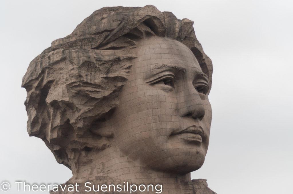 รูปปั้นประธานเหมาเจ๋อตุงที่เกาะส้ม
